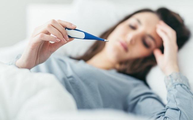 Người lớn bị rốt virus có nên truyền nước?