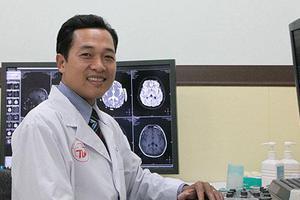 Bác sĩ CKI Dương Hồng Phúc