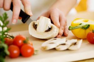 Một vài lưu ý vệ sinh an toàn thực phẩm cần biết