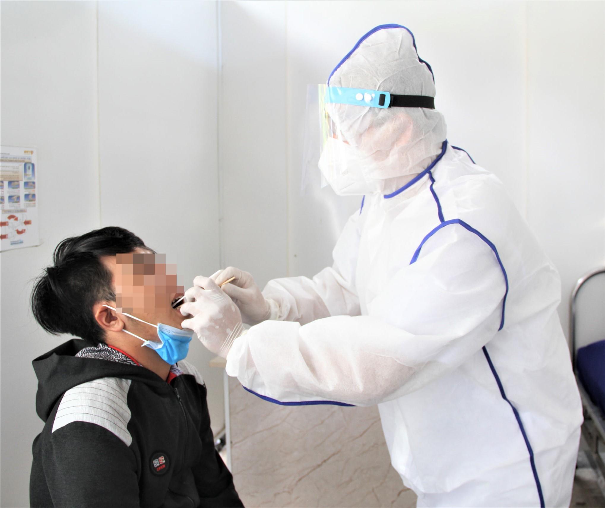 Bệnh viện Thanh Vũ xét nghiệm tầm soát Sars-CoV-2 tại nhà
